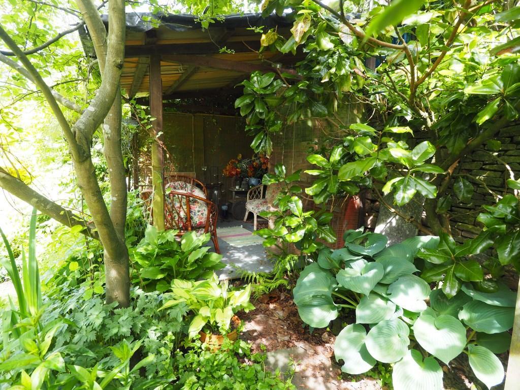 Gardens snug